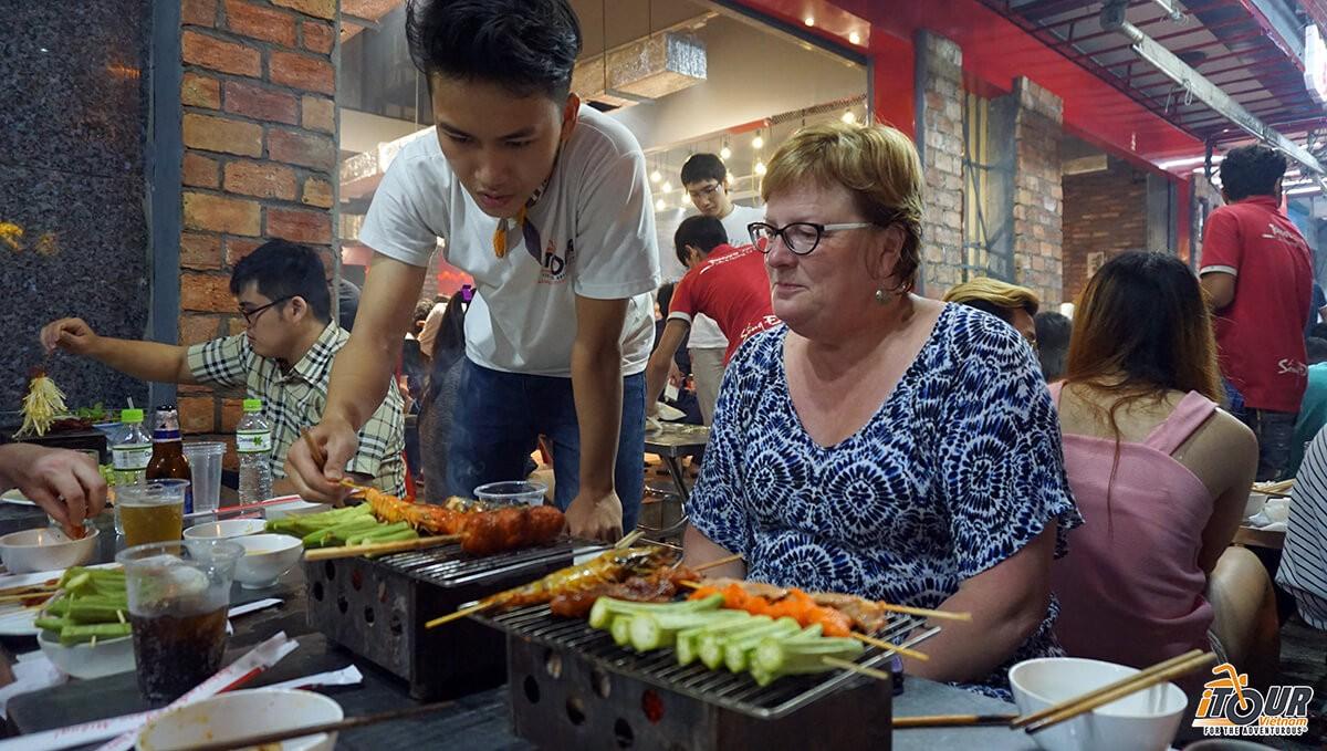Ho-Chi-Minh-Food-Tour-With-iTourVietnam
