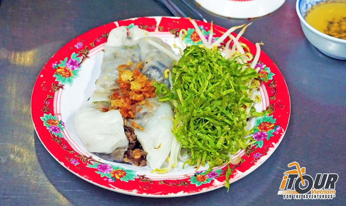banh-cuon-steamed-rice-roll-ho-chi-minh-1