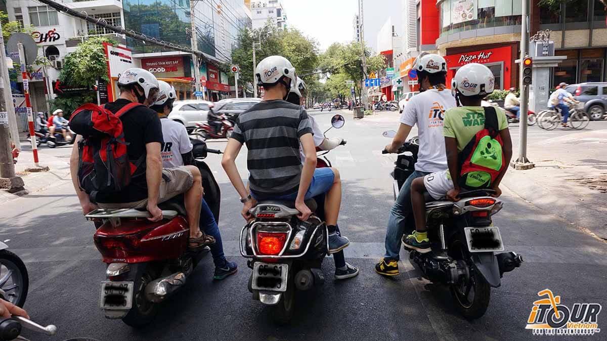 motorbike-tour-packing-for-vietnam