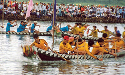 festivals and public holidays in vietnam boat racing festival
