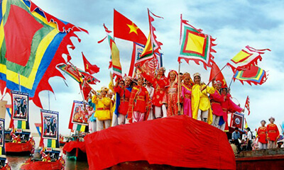 festivals and public holidays in vietnam nghinh ong festival