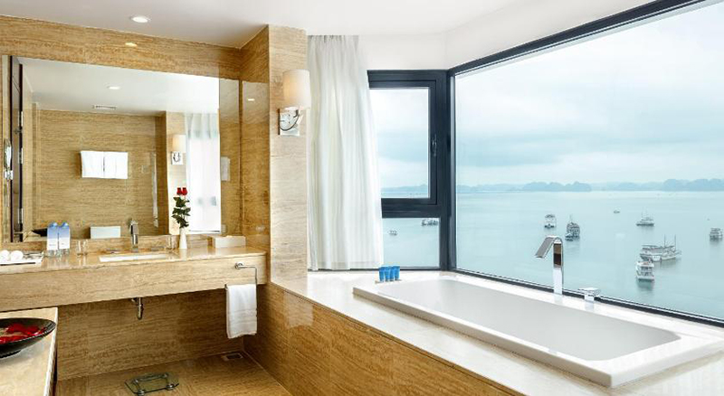 where to stay in halong Wyndham Legend Halong