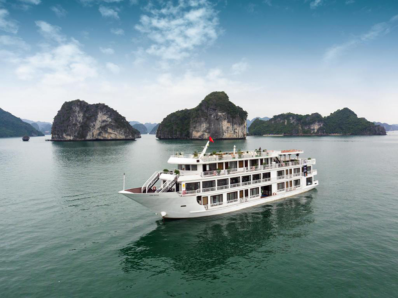 where to stay in halong alisa cruise halong
