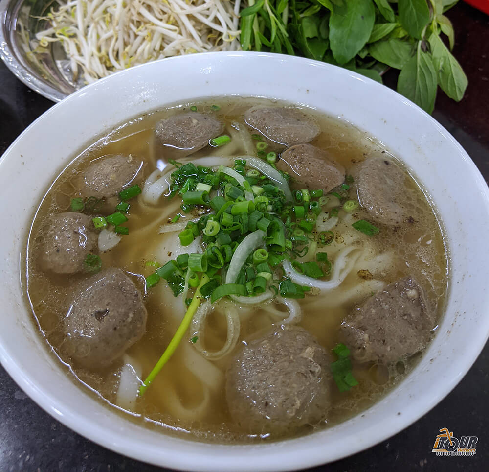 food tours northern vietnam pho