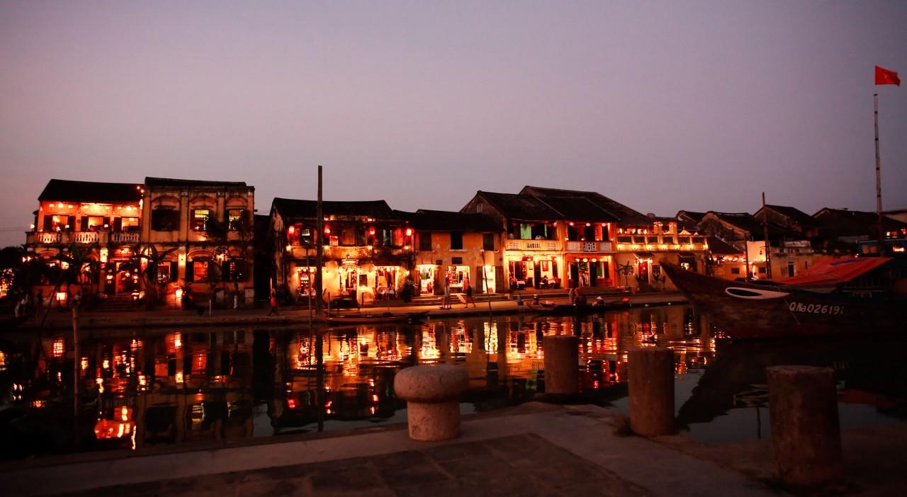 Top 10 Night Markets in Vietnam
